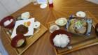 ハンバーグ定食とロールキャベツ定食