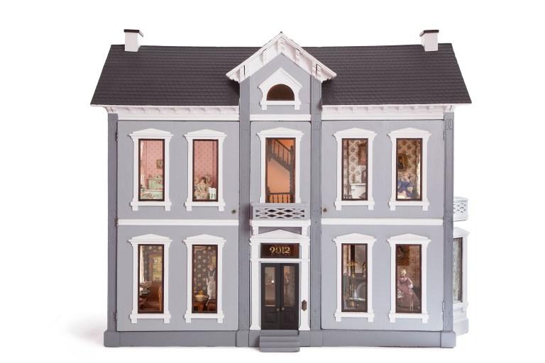 Frazier Dollhouse