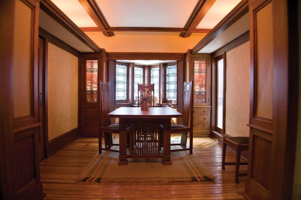 Frank_Lloyd_Wright_Dining_Room