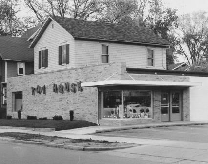 Toy House, Jackson, Michigan, First St, toy store, expansion