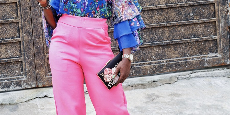 styling florals ,how to style blue and pink ,how to style layered sleeve blouse ,how to wear colours ,strutting ,styling coloured pant