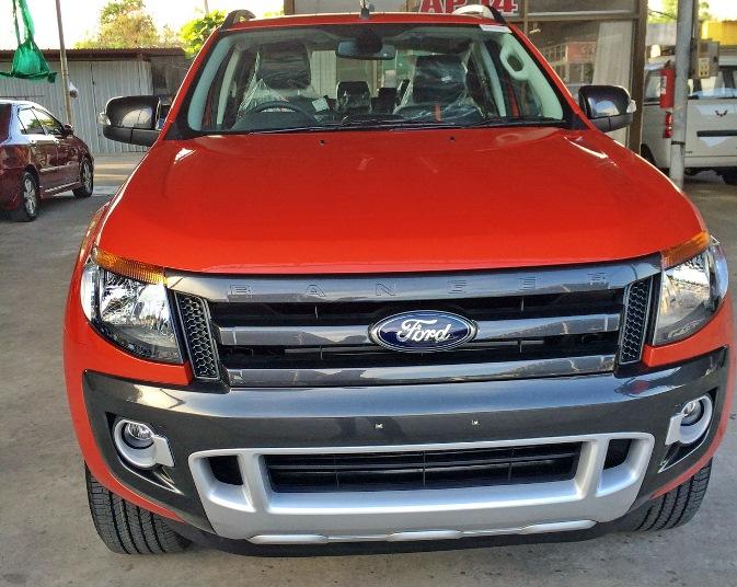 2014-Ford-Ranger-Wildtrak-orange-front