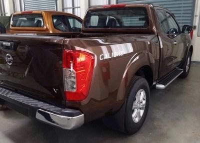 Nissan-Navara-2015-rear