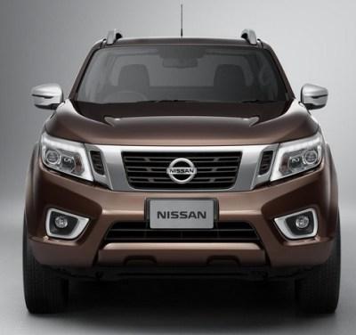 2015-Nissan-Navara-NP300-front