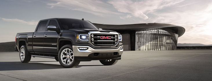 Picture showing the confident and refined 2017 Sierra 1500 light-duty pickup truck.