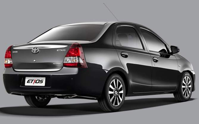 Toyota-Etios-Platinum-press-shot-sedan-makassar
