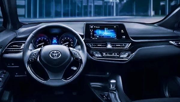 2022 Toyota C-HR AWD Interior