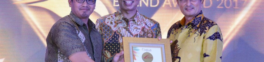 "THE HIGHEST TOP OF MIND"" DAN ""BRAND USED MOST OFTEN"" DALAM AJANG INDONESIA PRESTIGE BRAND AWARD"