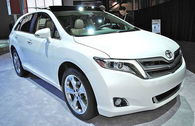 2018 toyota venza front view
