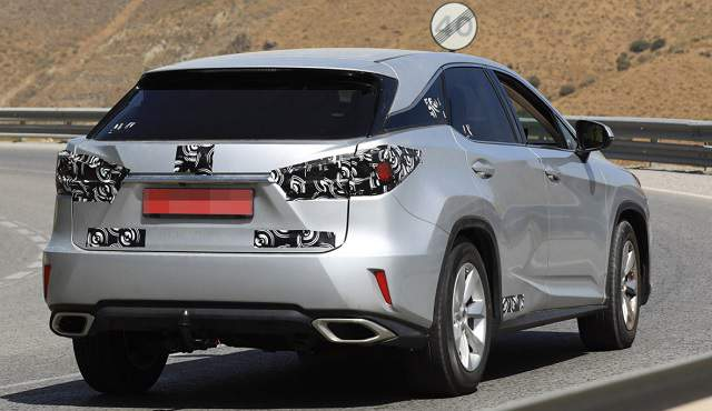 2019 Lexus RX 350 redesign spy shot 2
