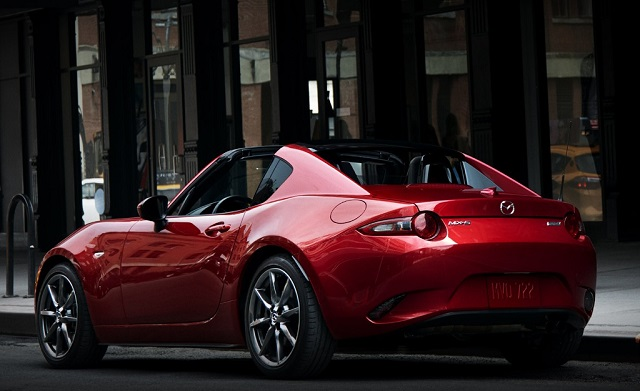 2019 Mazda MX-5 Miata rear view