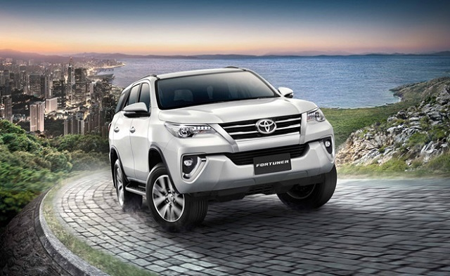 2019 Toyota Fortuner front view