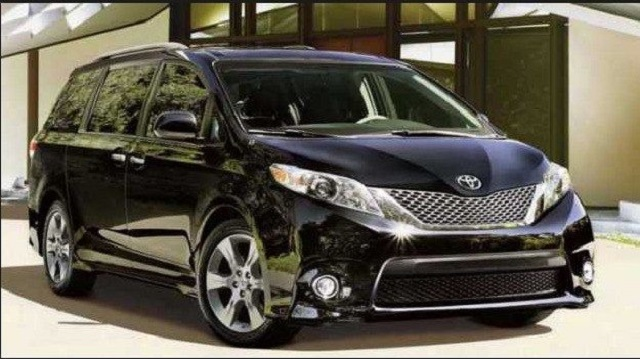2020 Toyota Sienna front view