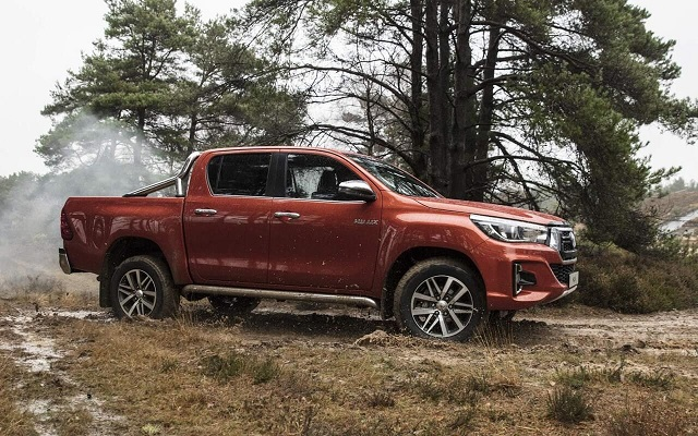 2020 Toyota Hilux side view