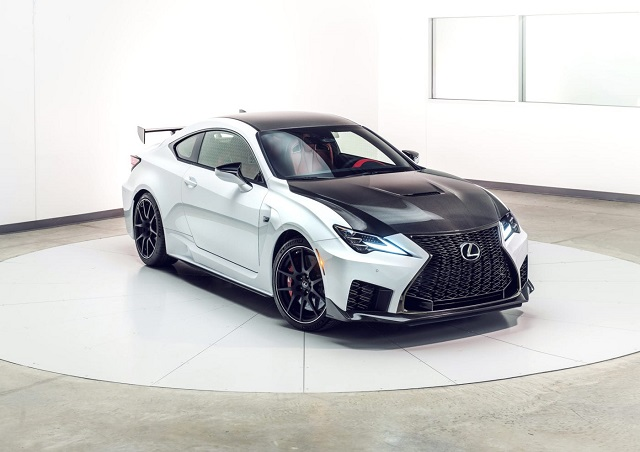 2020-RC-F-front-view