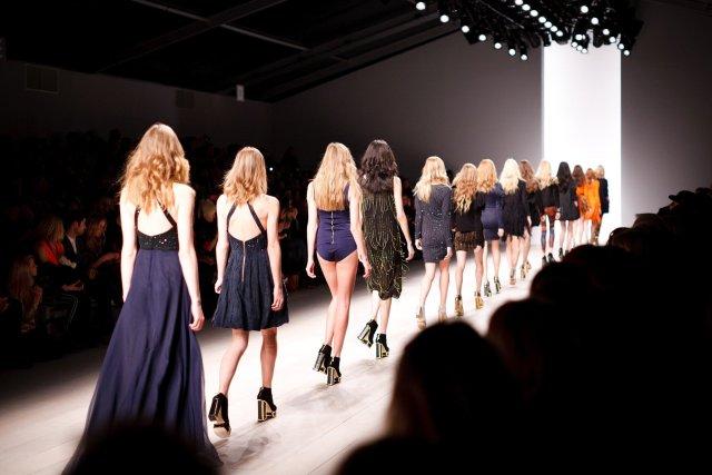 desfile model modelos moda parade