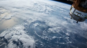 satélite tierra