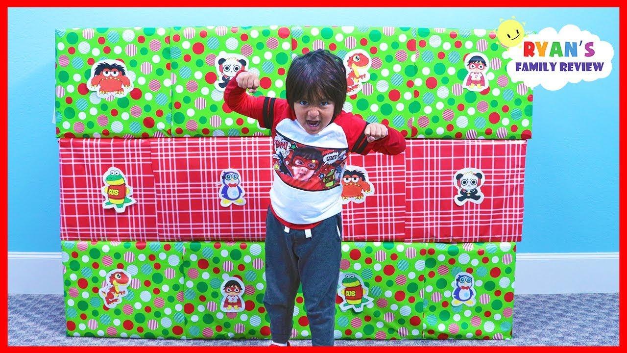 Giant Smash Box Surprise Toys Naughty or Nice Christmas presents - Giant Smash Box Surprise Toys Naughty or Nice Christmas presents!!!