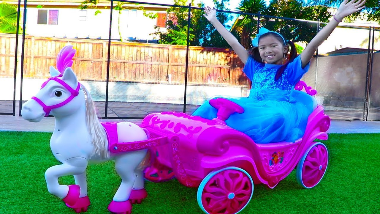 Wendy Pretend Play w Princess Ride On Horse Carriage Dress Up Kids Toy - Wendy Pretend Play w/ Princess Ride On Horse Carriage & Dress Up Kids Toy