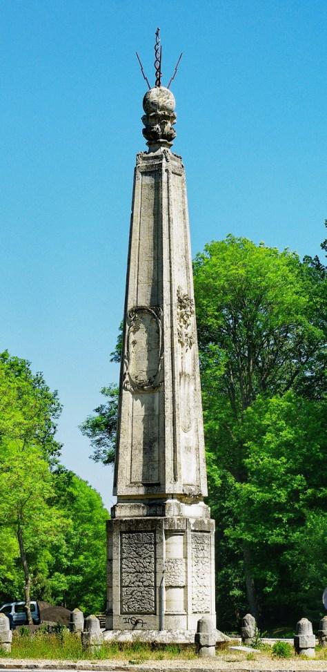 Obelisqueseinetmarne