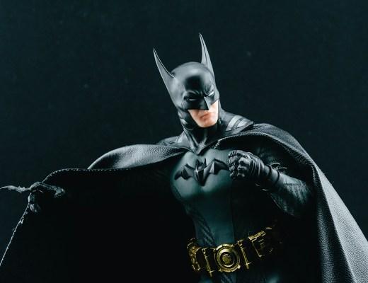 Mezco Batman Ascending Knight