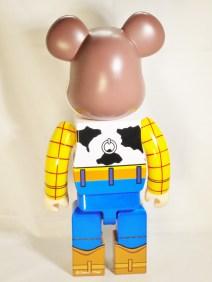 medicom-bearbrick-400-toy-story-woody-cowboy-06