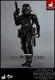 hot-toys-star-wars-shadow-trooper-2