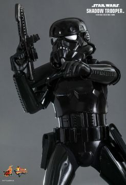 hot-toys-star-wars-shadow-trooper-5