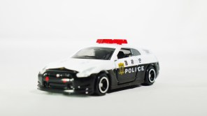 tomica-kuji-20-sports-cars-collection-2016-nissan-gt-r-utsuro-city-patrol-car-2
