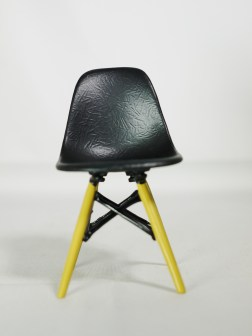 1-12-reina-design-interior-collection-designers-chairs-vol-1-no-5-eames-style-dsw-dining-chair-blk-01