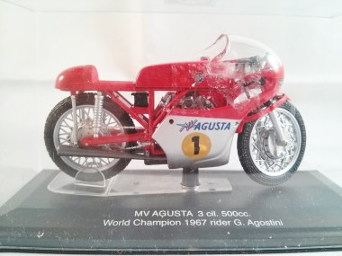 italeri-protar-world_champ_col-500cc_motogp-mv_agusta-3cil-1967-02