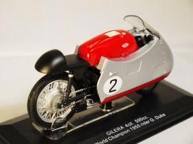 italeri-protar-world_champ_col-gilera-1955-rider_g_duke-2