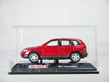 REAL-X COL 1-72 127 VOLKSWAGEN TOUAREG Drk Red 08
