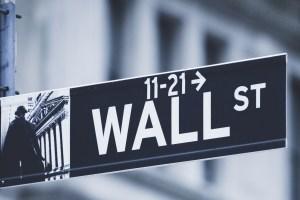 wall-street-sign-15060630841j3