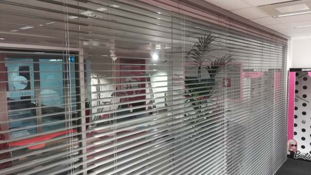 Żaluzje aluminiowe do biura