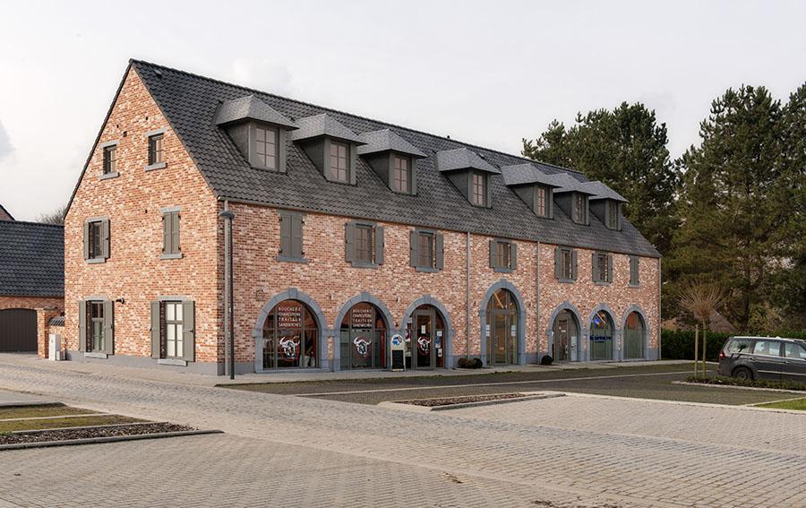 Commerces et appartements à Hamme-Mille