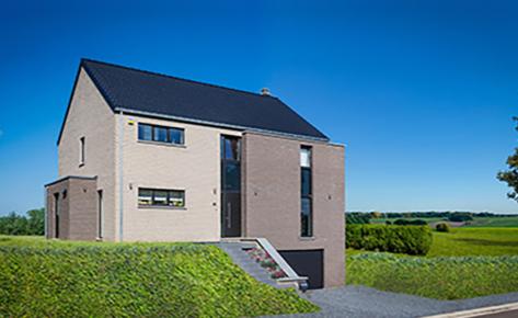 Maison clé sur porte à Warêt-la-Chaussée (5310)
