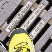 stepping on Kanal Guss