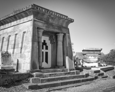 Old Mausoleum - click to enlarge