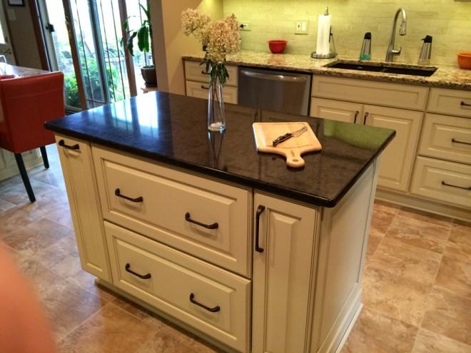 Table or Booth? - Tinley Park Kitchen & Bath Shoppe