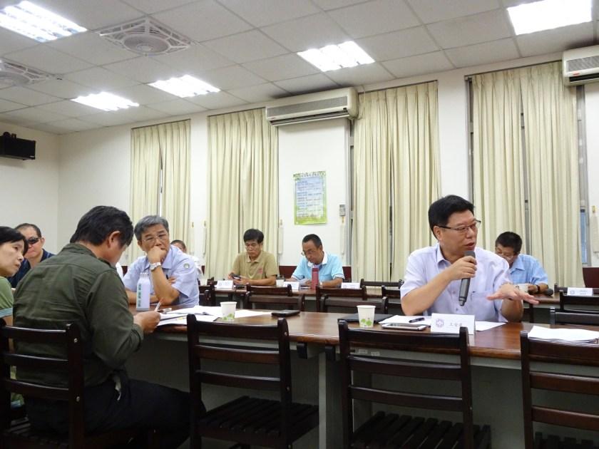106年度第4次職業安全衛生委員會議會前會照片 – 臺灣電力工會