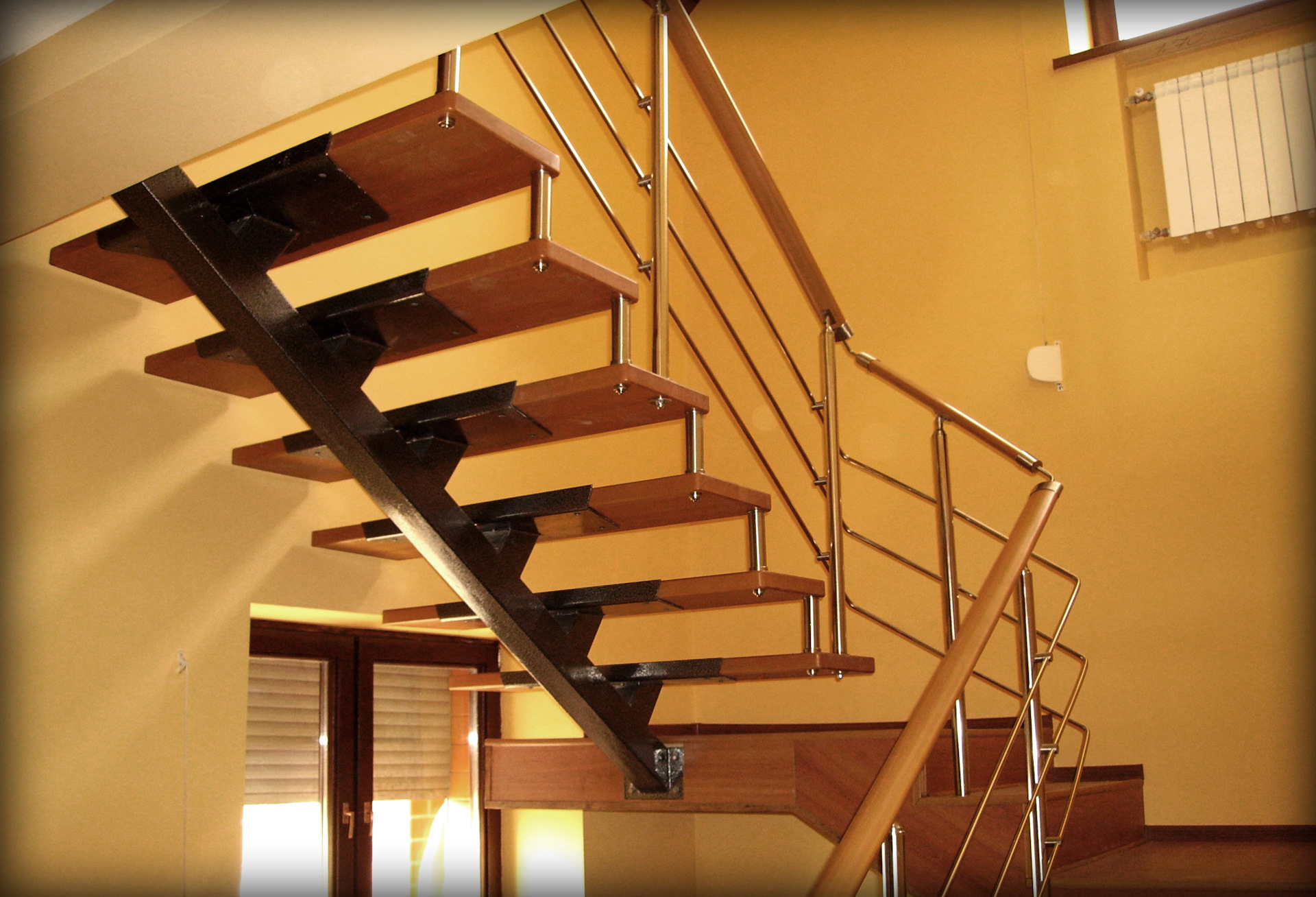 Строительство: Золотая лестница. да еще и с перилами - Спецтехника - каталог ...