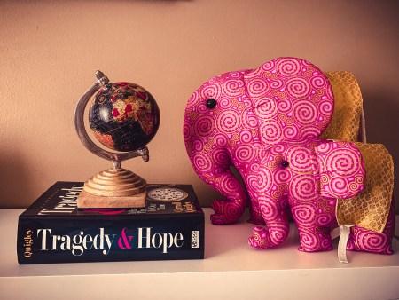 The world seen through the eyes of pynk elephants.