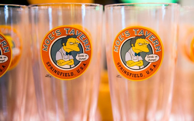 Moes-glasses-Duff-beer-blog