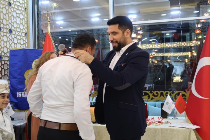 إسطنبول.. الجالية المغربية تكرم طلابها المتفوقين