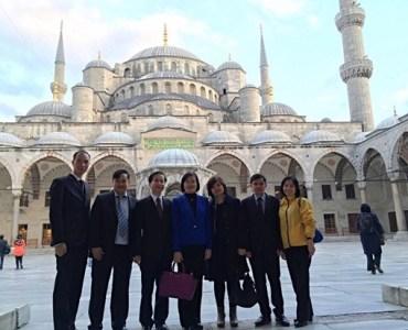 Büyükelçisi Pham Anh Tuan Istanbul'da gezidi