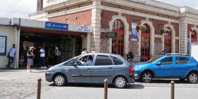 ManteslaJolie  le maire LR manifeste  la gare contre les conditions de transport  Temps Rel 78