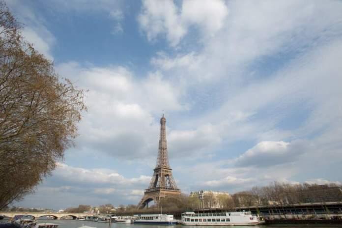 La Tour Eiffel, Paris, le 19 mars 2020, troisième jour du confinement