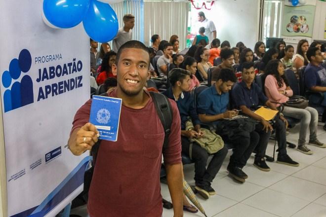 Programa Jaboatão Aprendiz garante oportunidade do primeiro emprego a jovens do município