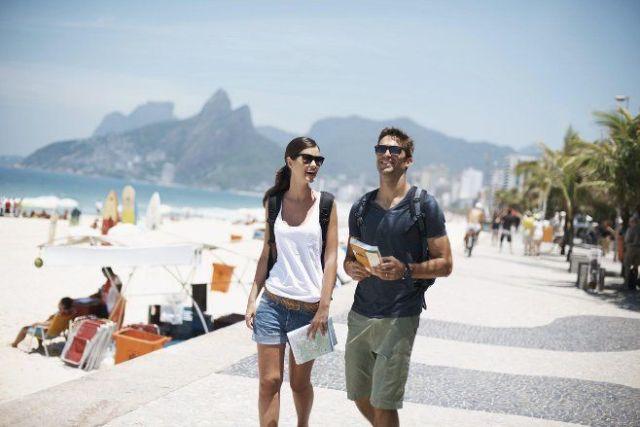 Turista-brasileiro-continua-viajando-apesar-da-crise(2)